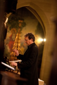 Peter Phillips conducts the Tallis Scholars