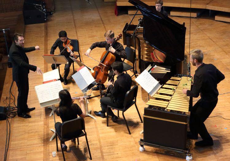 Guest conductor David Fulmer leads TMC Fellows in Pierre Boulez's 'Derive 1,' 7.24.16 (Hilary Scott)